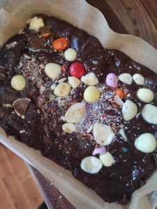 easter baking and crafting with kids not just a tit chocolate mini eggs three ingredient fudge