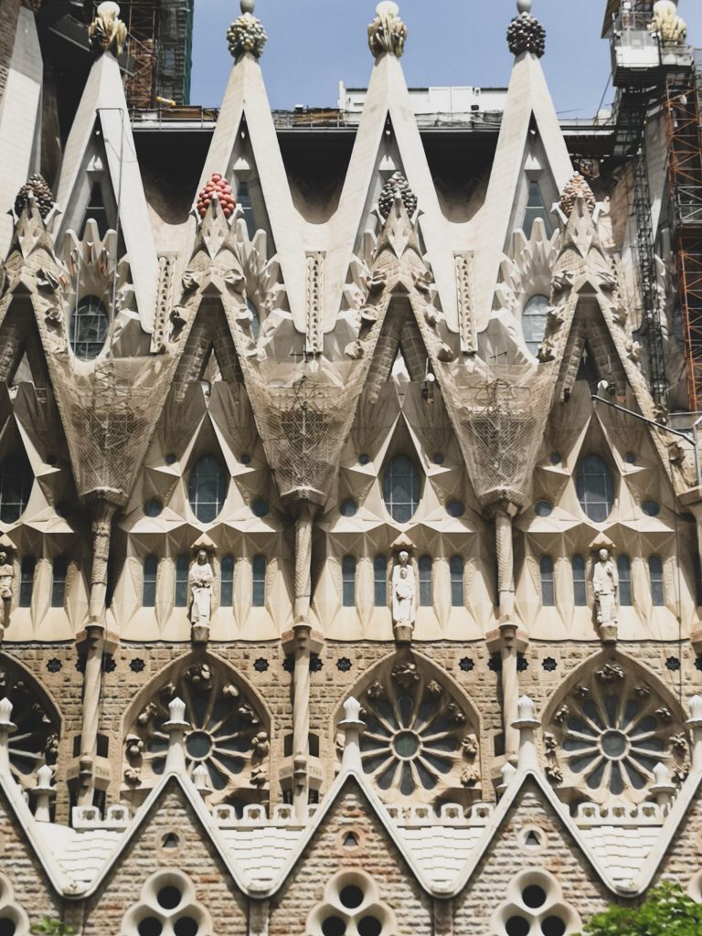 not-just-a-tit-lifestyle-blog-city-break-barcelona-sagrada-familia-stonework