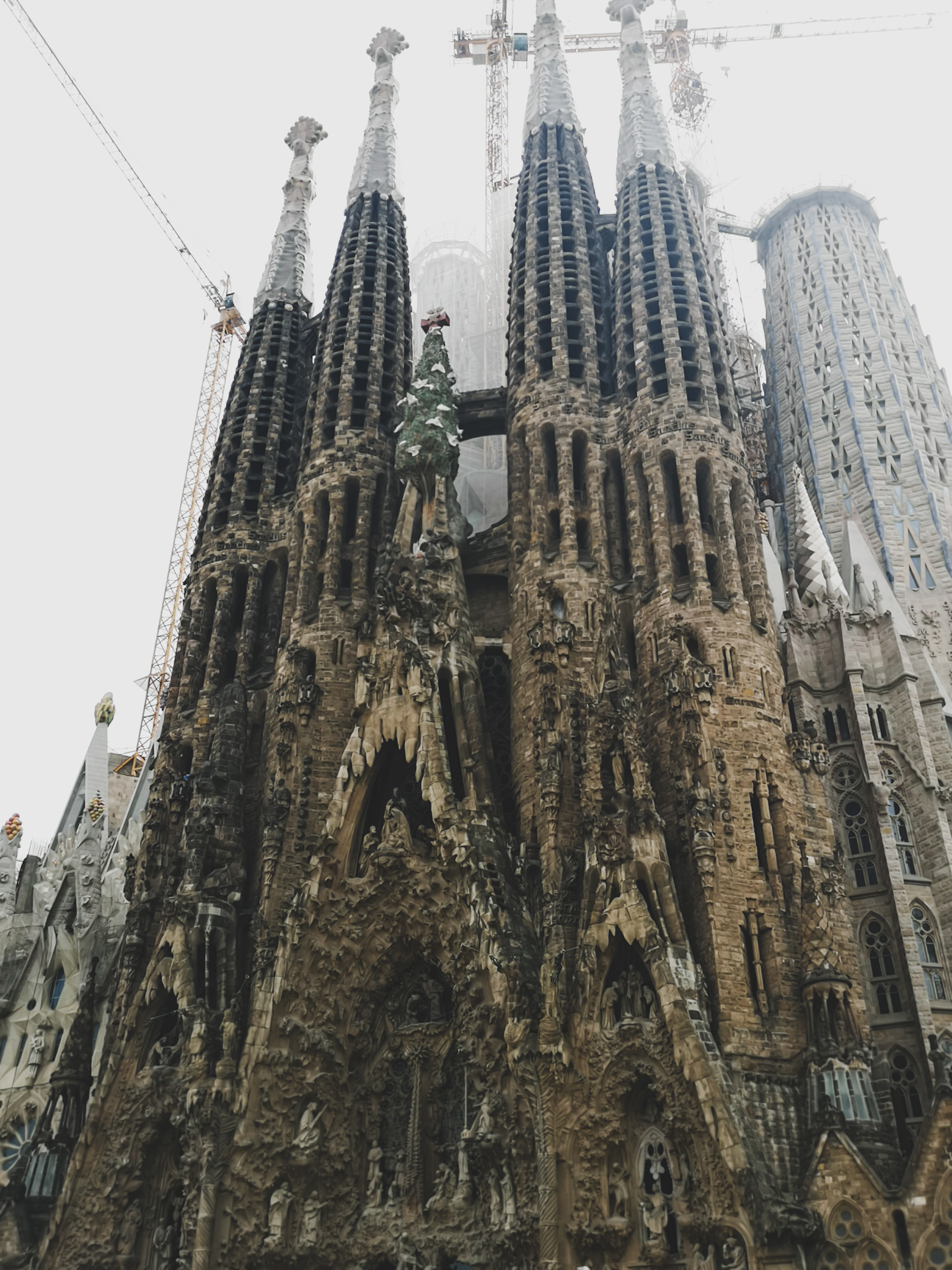 not-just-a-tit-lifestyle-blog-city-break-barcelona-sagrada-familia-stonework-old-view