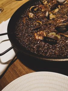 not-just-a-tit-lifestyle-blog-city-break-barcelona-seafood-paella