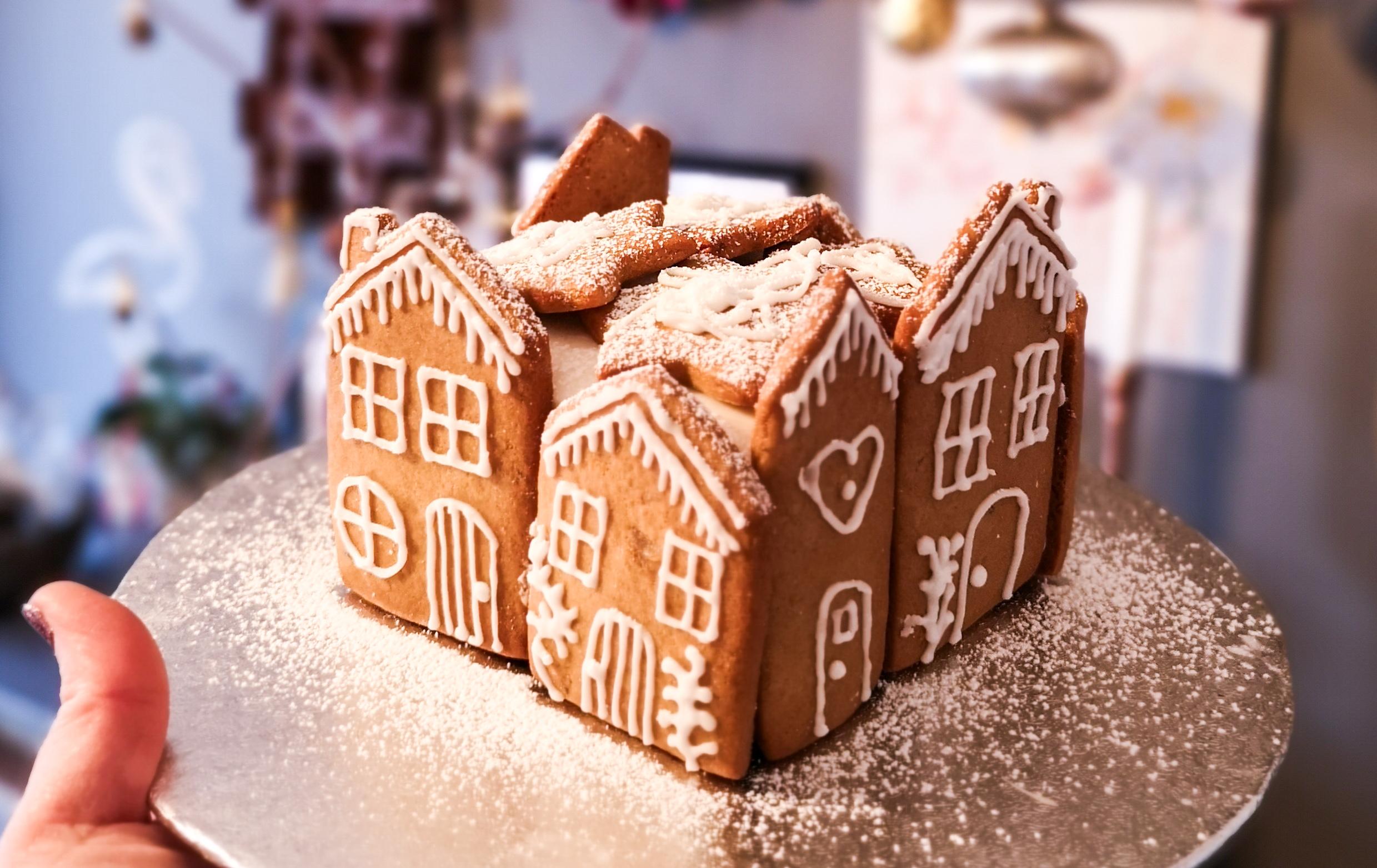 Festive baking: Decorating your Christmas cake
